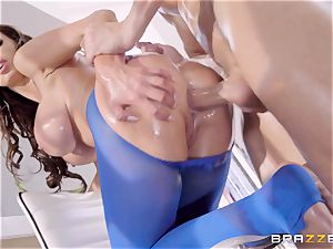 kinky lubed up Nikki Benz thrashed in her donk