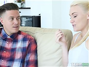 Cassidy Ryan thirsts a immense lollipop in her taut coochie