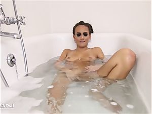 hotty draws her bath and the tub gets filthy