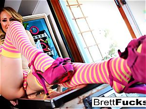 Pinball gaming leads to puss plunging by Brett Rossi