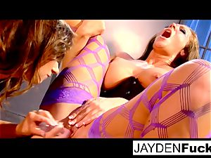 lady on doll with Taylor Vixen