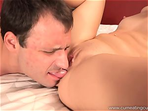 Goldie Has cuckold spouse eat cum crammed cunny