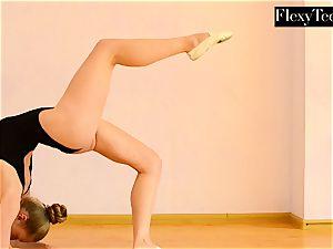 Anna Mostik the torrid Russian gymnast