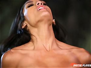 Beach screw with cute horny black-haired Chloe Amour