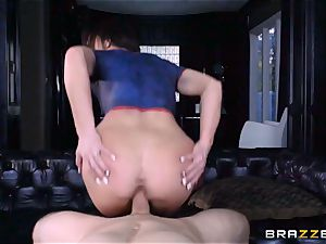 Frustrated Jennifer white rides Bill Bailey for a super-hot facial