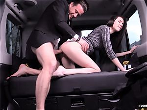 banged IN TRAFFIC - Russian stunner romps stiff in the car