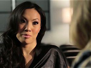 Asa Akira showcases Samantha Saint a new pasttime