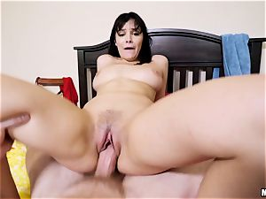 Swimming in the unload mayo of Violet Starr