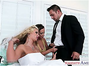 Jada Stevens And Phoenix Marie have a eagerness for pleasing