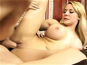 Madison Ivy likes getting her raw coochie hammered