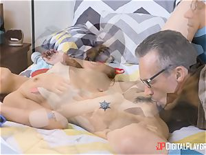 Web cam woman April Snow gets romped by her step-father
