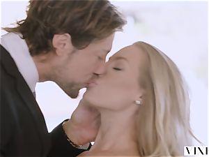 VIXEN Nicole Aniston Surprises Her boyfriend With steamy hump