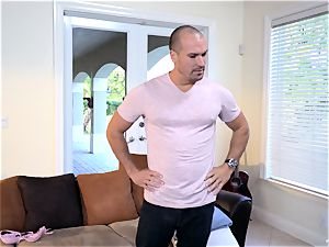 Raylin Ann and Layla London control to seduce Sean Lawless in for some joy