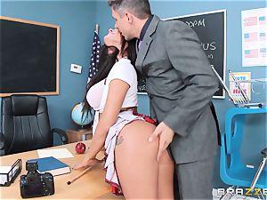 dirty college girl Peta Jensen nails the lucky dean
