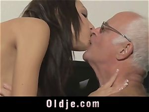 old boss spoiling the insane muff of his Romanian maid